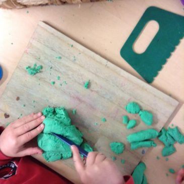 Funky Fingers Play Dough – 22 Jan 20